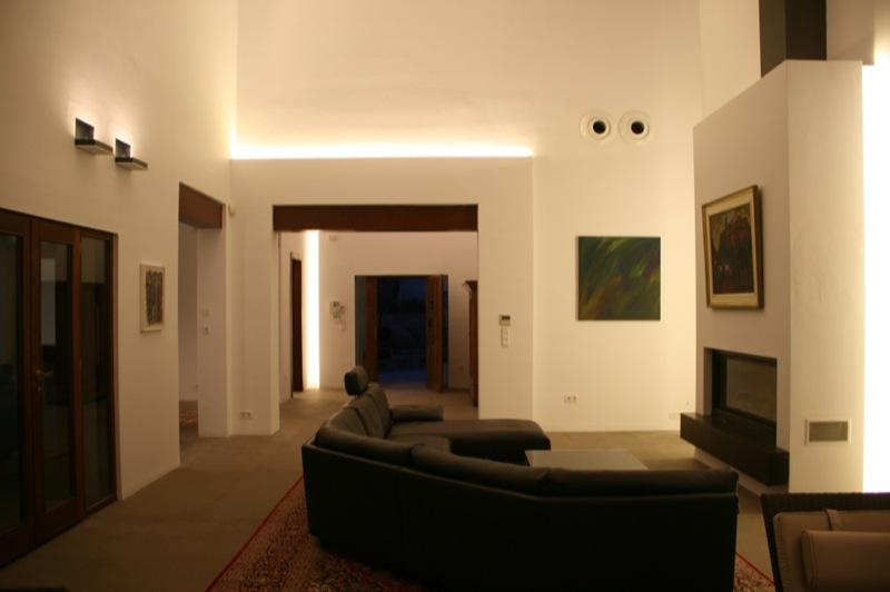 https://soltecsystem.com/wp-content/uploads/2014/11/Iluminacion-casa-rustica-02.jpg