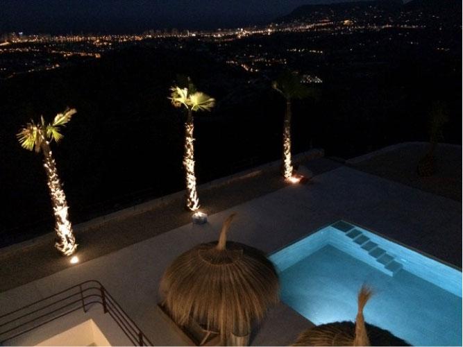 https://soltecsystem.com/wp-content/uploads/2015/08/Donaco-proyecto-iluminacion-jardines2.jpg